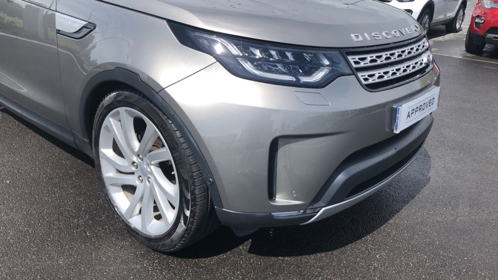 Land Rover Discovery 2.0 SD4 HSE Luxury 5dr image 16