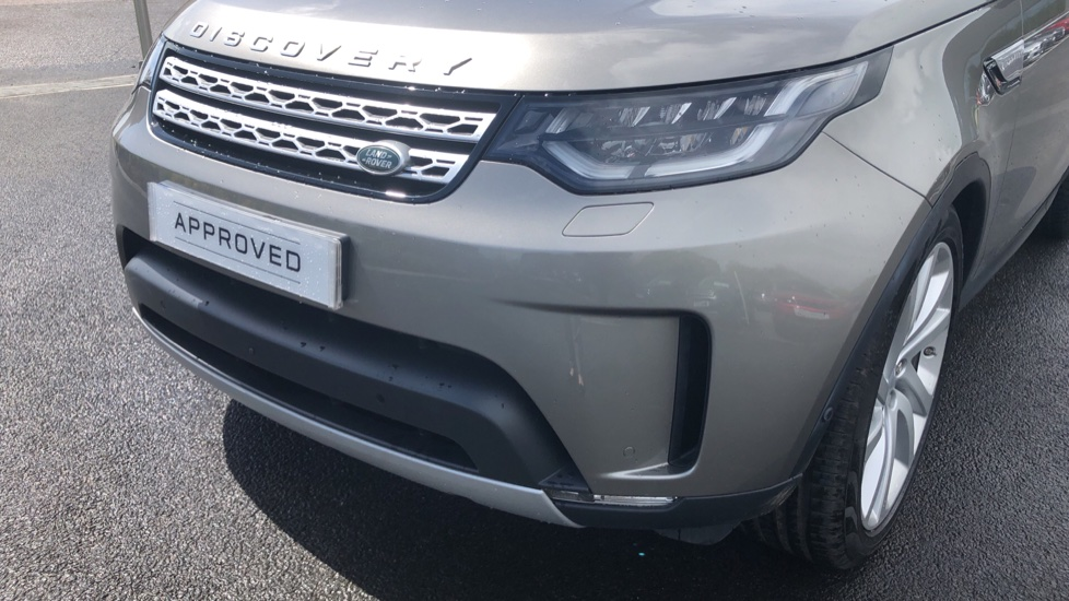 Land Rover Discovery 2.0 SD4 HSE Luxury 5dr image 17