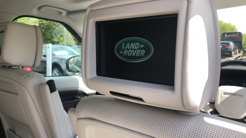 Land Rover Discovery 2.0 SD4 HSE Luxury 5dr image 24