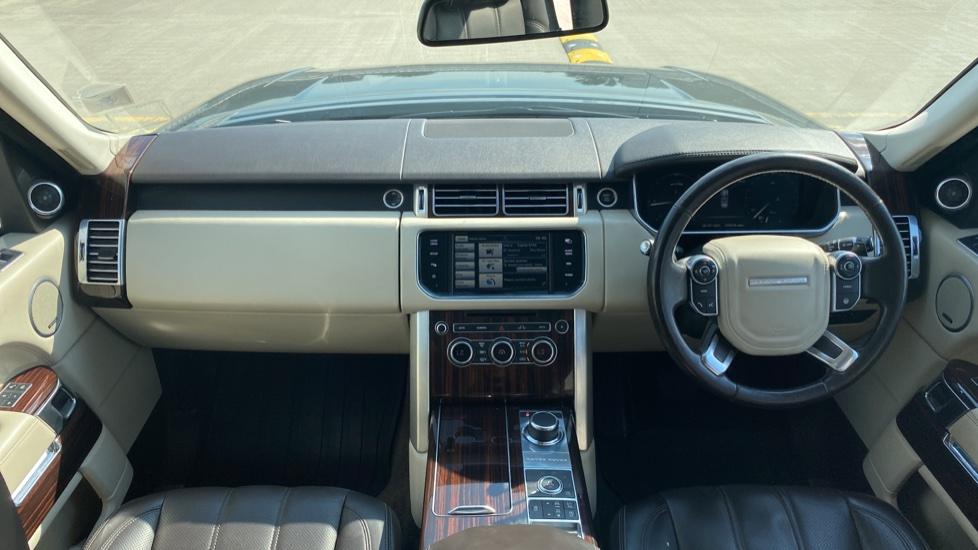 Land Rover Range Rover 3.0 TDV6 Vogue SE 4dr - Privacy glass, Meridian Surround Sound System, Rear Camera image 9