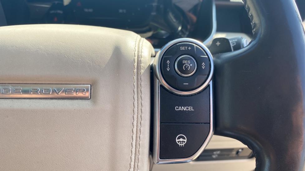 Land Rover Range Rover 3.0 TDV6 Vogue SE 4dr - Privacy glass, Meridian Surround Sound System, Rear Camera image 12