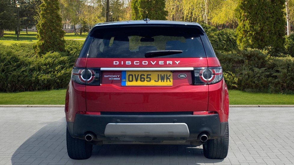 Land Rover Discovery Sport 2.0 TD4 180 HSE Luxury 5dr image 6