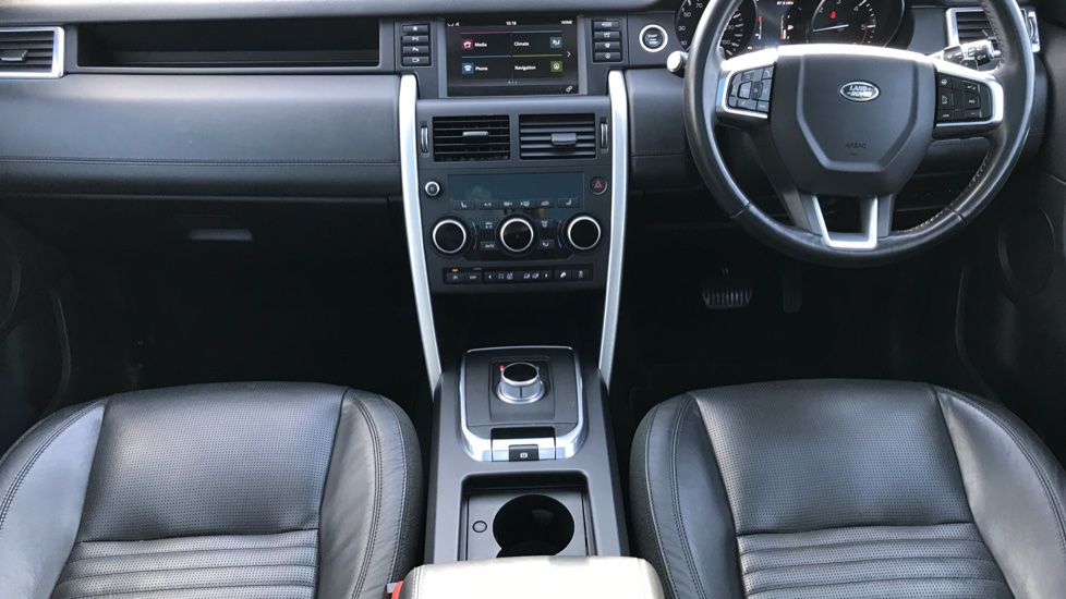 Land Rover Discovery Sport 2.0 TD4 180 HSE Luxury 5dr image 31