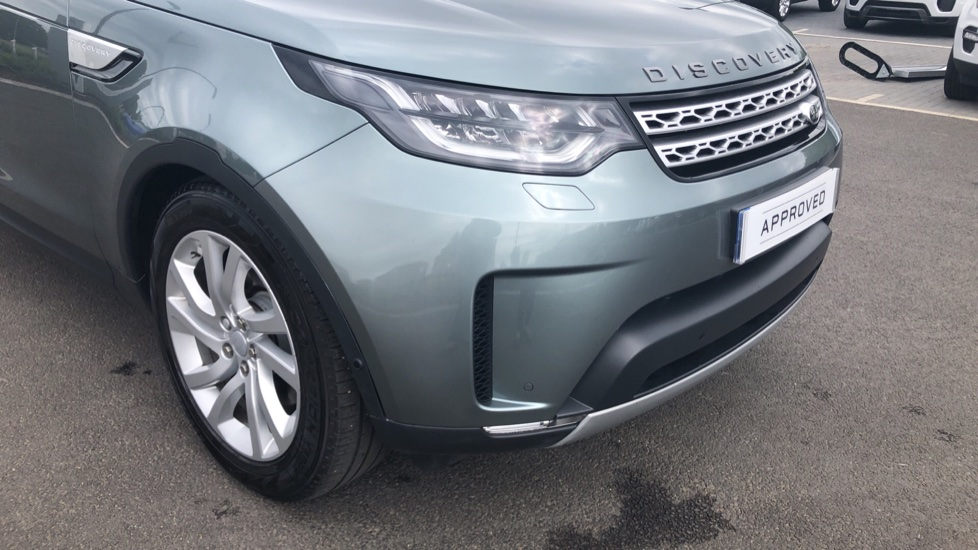 Land Rover Discovery 3.0 Supercharged Si6 HSE 5dr  image 17