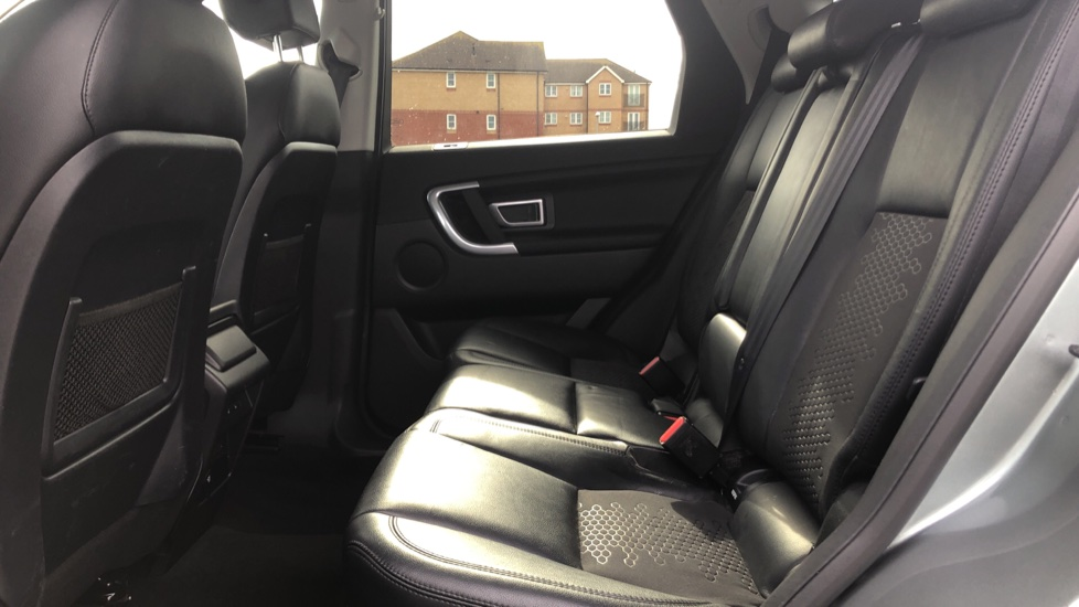 Land Rover Discovery Sport 2.2 SD4 SE Tech 5dr image 4