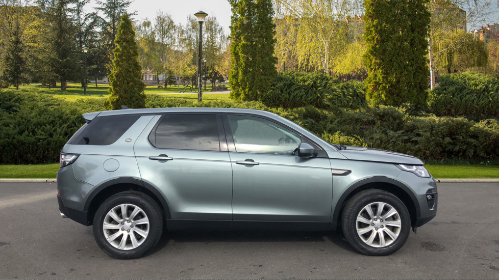 Land Rover Discovery Sport 2.2 SD4 SE Tech 5dr image 5