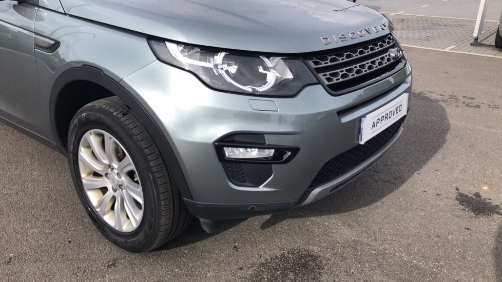 Land Rover Discovery Sport 2.2 SD4 SE Tech 5dr image 15