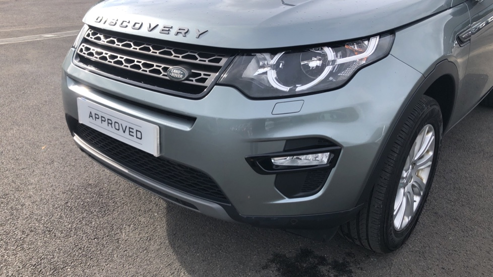 Land Rover Discovery Sport 2.2 SD4 SE Tech 5dr image 16