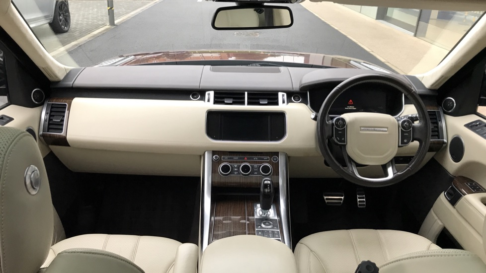 Land Rover Range Rover Sport 3.0 SDV6 [306] Autobiography Dynamic sliding pan roof and meridian sound system image 9