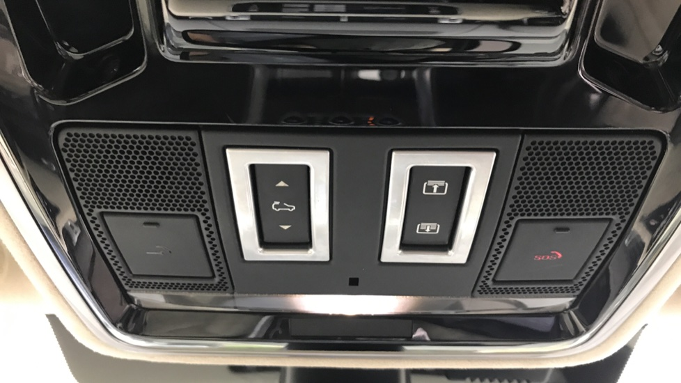 Land Rover Range Rover Sport 3.0 SDV6 [306] Autobiography Dynamic sliding pan roof and meridian sound system image 16