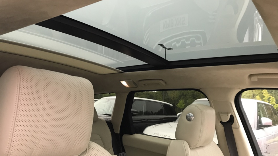 Land Rover Range Rover Sport 3.0 SDV6 [306] Autobiography Dynamic sliding pan roof and meridian sound system image 17