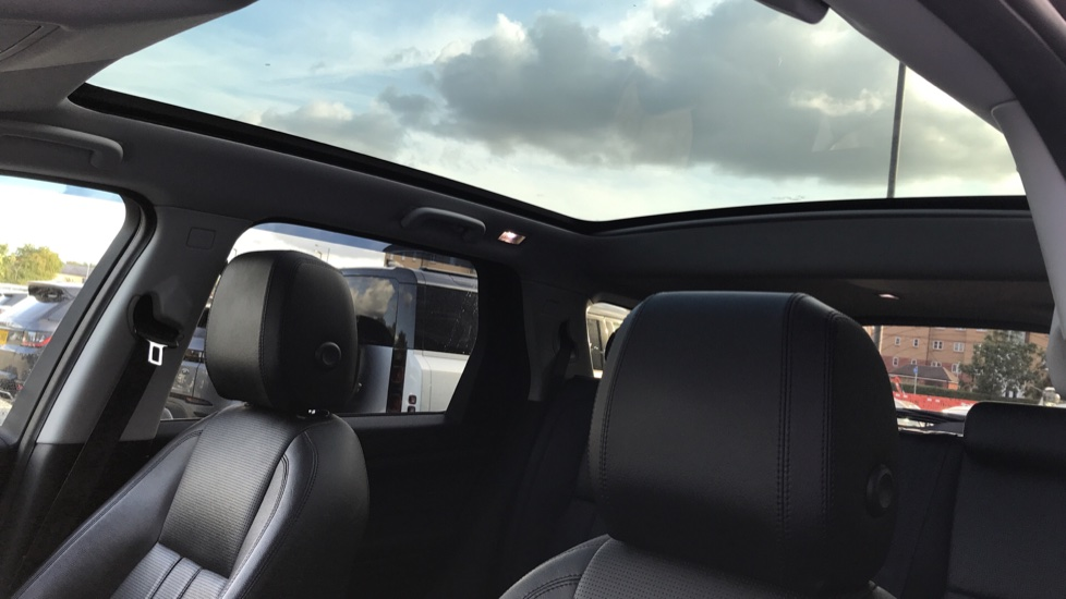 Land Rover Discovery Sport 2.0 TD4 180 HSE Rear Camera, Fixed panoramic roof image 11