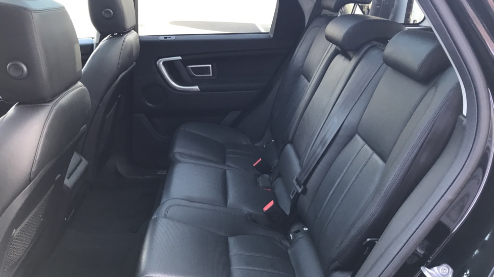 Land Rover Discovery Sport 2.0 TD4 180 HSE Rear Camera, Fixed panoramic roof image 13