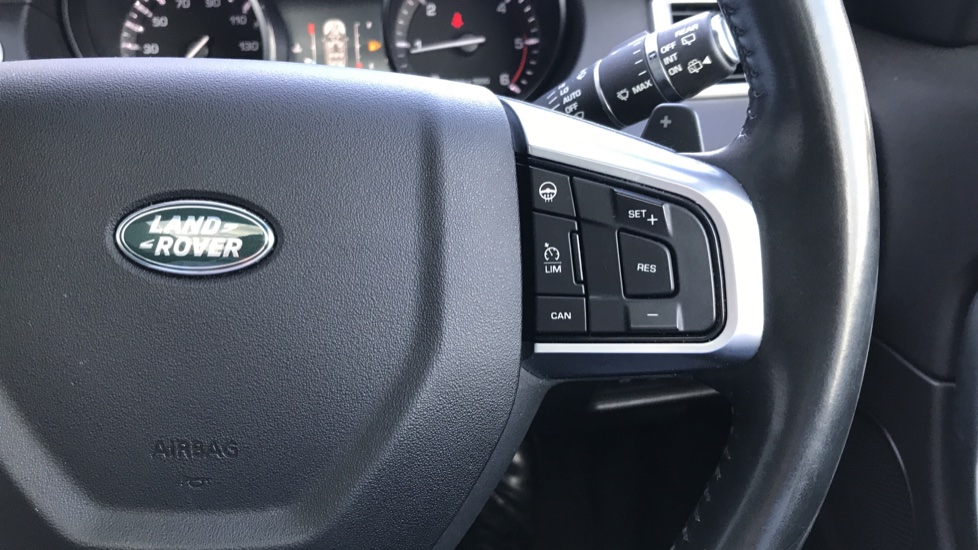Land Rover Discovery Sport 2.0 TD4 180 HSE Rear Camera, Fixed panoramic roof image 19