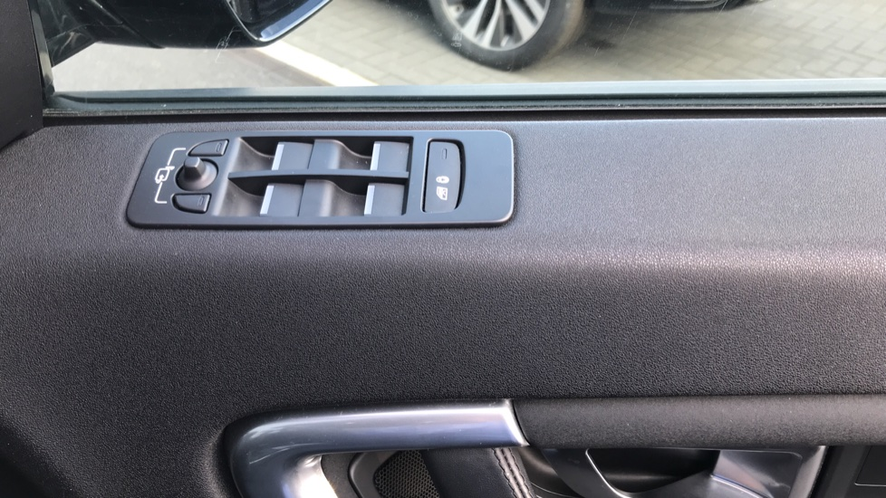 Land Rover Discovery Sport 2.0 TD4 180 HSE Rear Camera, Fixed panoramic roof image 21
