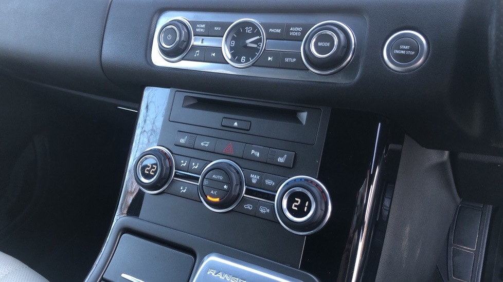 Land Rover Range Rover Sport 3.0 SDV6 Autobiography Sport 5dr image 27