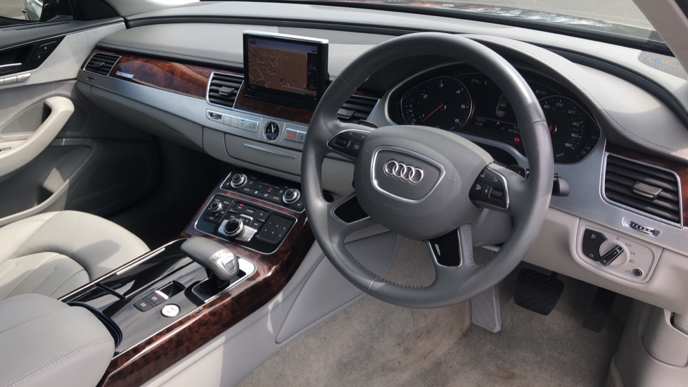 Audi A8 3.0 TDI Quattro SE Executive Tip image 9