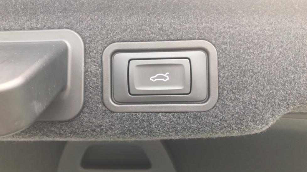 Audi A8 3.0 TDI Quattro SE Executive Tip image 13