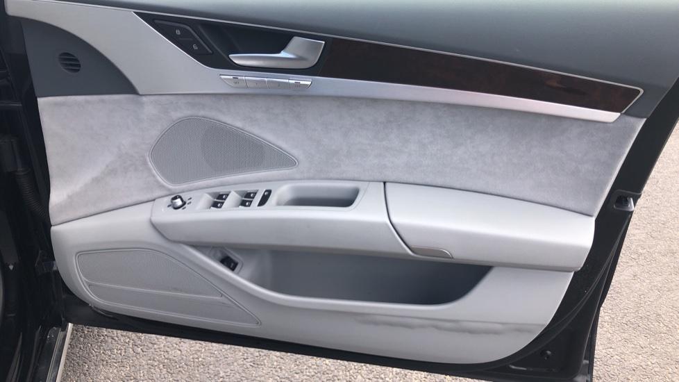 Audi A8 3.0 TDI Quattro SE Executive Tip image 18