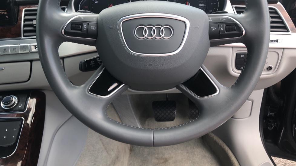 Audi A8 3.0 TDI Quattro SE Executive Tip image 24