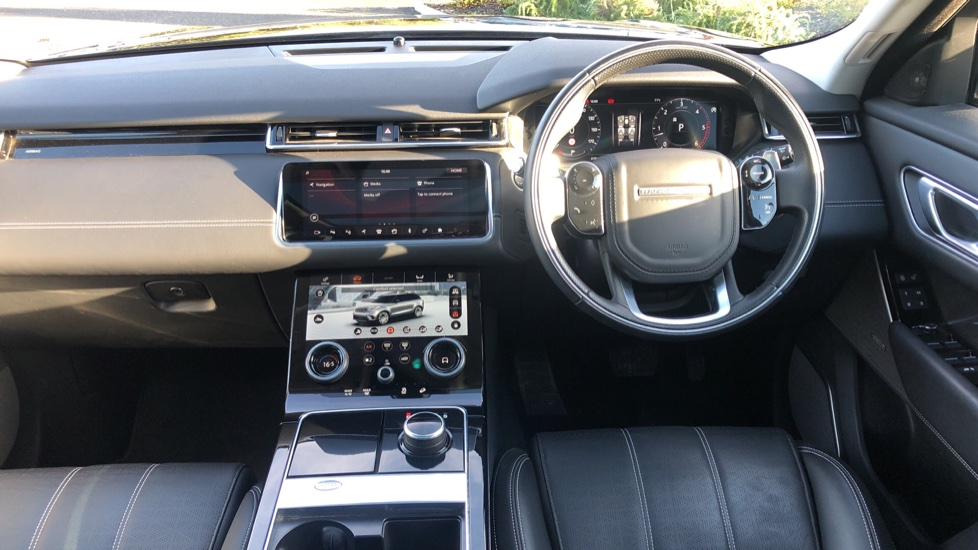 Land Rover Range Rover Velar 3.0 D300 HSE 5dr image 19
