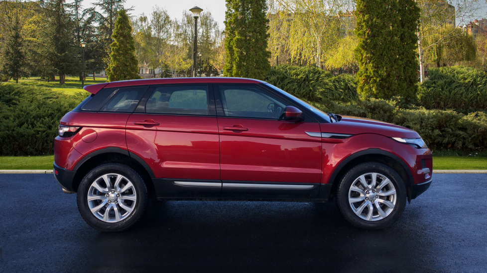 Land Rover Range Rover Evoque 2.2 SD4 Pure 5dr [Tech Pack] image 5