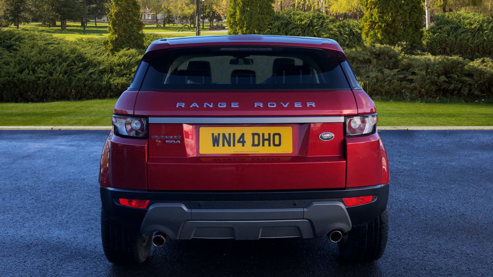 Land Rover Range Rover Evoque 2.2 SD4 Pure 5dr [Tech Pack] image 6