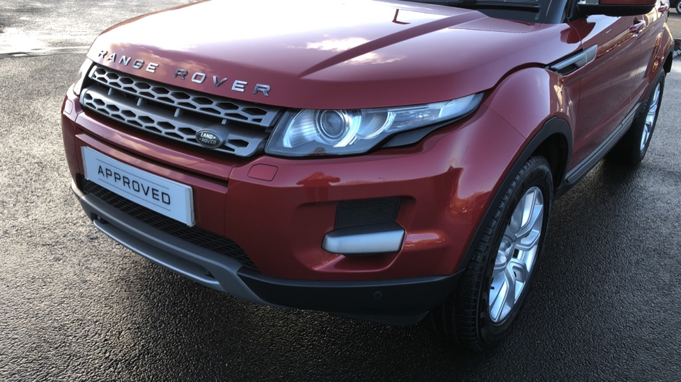 Land Rover Range Rover Evoque 2.2 SD4 Pure 5dr [Tech Pack] image 15