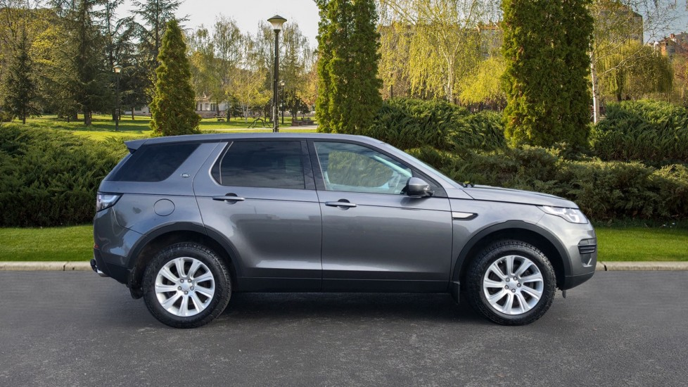 Land Rover Discovery Sport 2.0 TD4 180 SE 5dr image 5