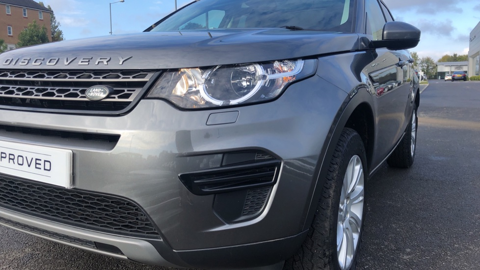 Land Rover Discovery Sport 2.0 TD4 180 SE 5dr image 10