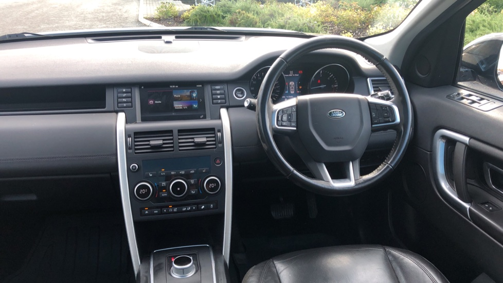 Land Rover Discovery Sport 2.0 TD4 180 SE 5dr image 18
