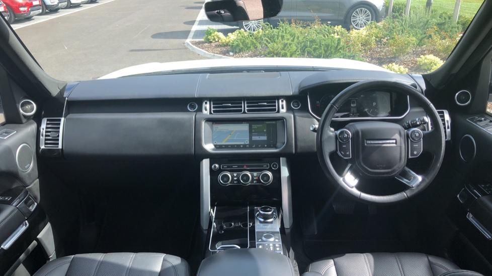 Land Rover Range Rover 3.0 TDV6 Vogue 4dr image 9