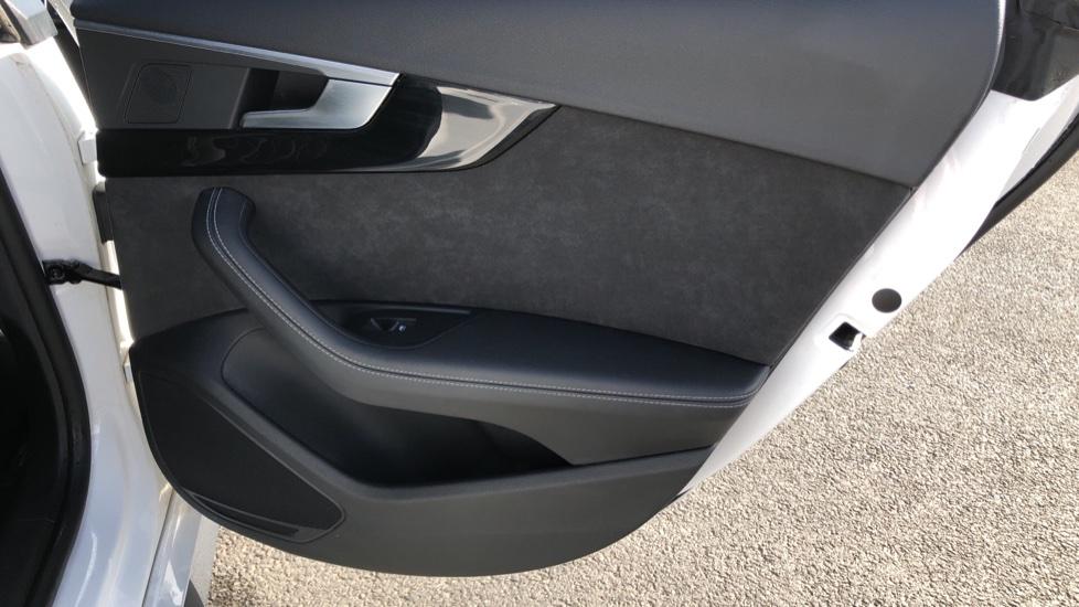 Audi A5 S5 Quattro Tiptronic image 20