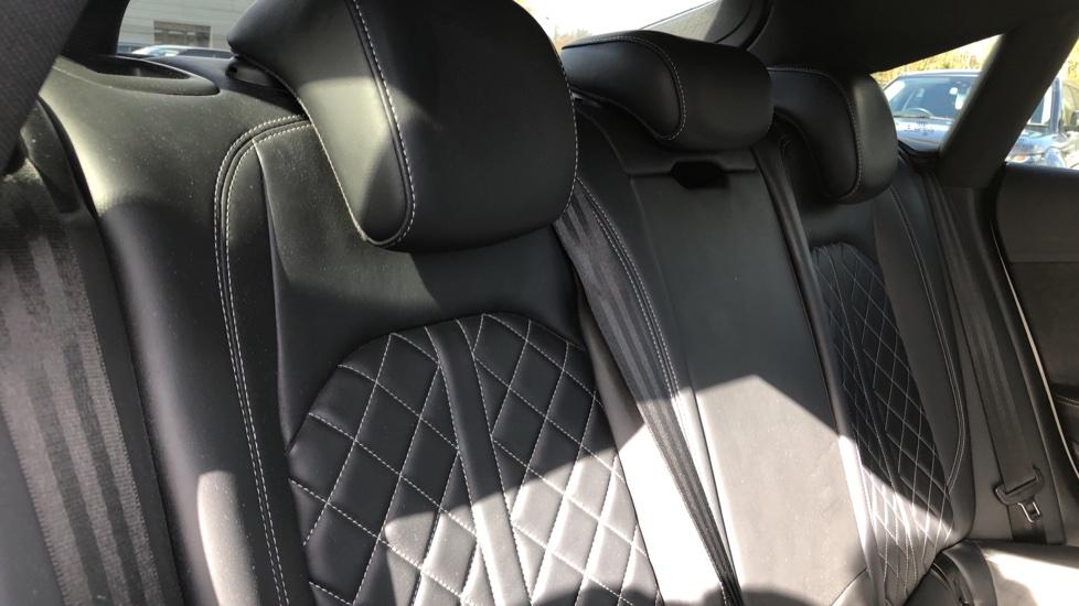 Audi A5 S5 Quattro Tiptronic image 21
