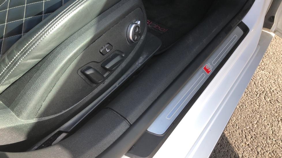 Audi A5 S5 Quattro Tiptronic image 23