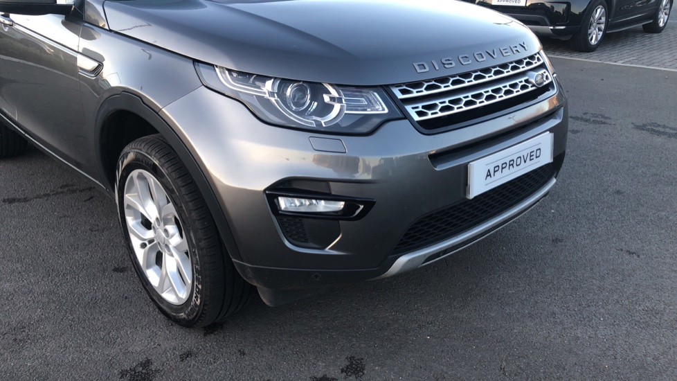 Land Rover Discovery Sport 2.0 TD4 180 HSE 5dr image 15