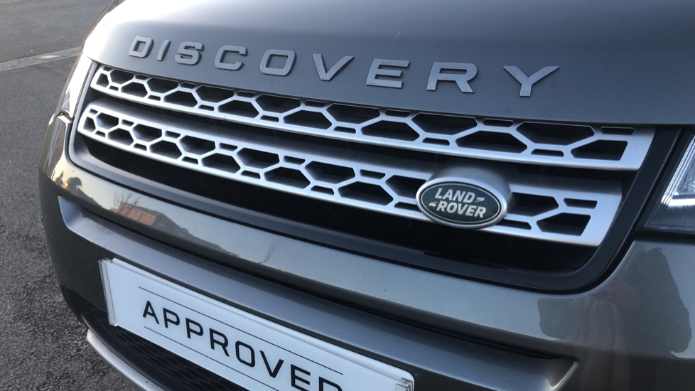 Land Rover Discovery Sport 2.0 TD4 180 HSE 5dr image 17