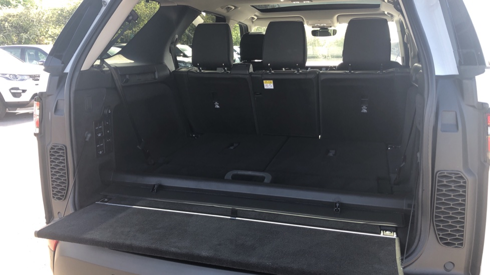 Land Rover Discovery 2.0 SD4 HSE 5dr image 14