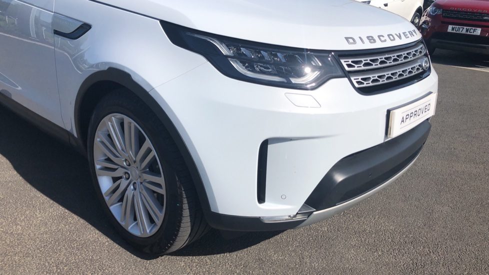 Land Rover Discovery 2.0 SD4 HSE 5dr image 17