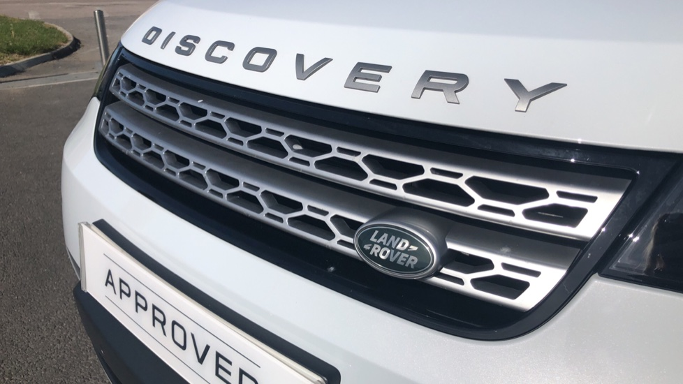 Land Rover Discovery 2.0 SD4 HSE 5dr image 19