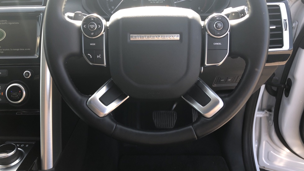 Land Rover Discovery 2.0 SD4 HSE 5dr image 26