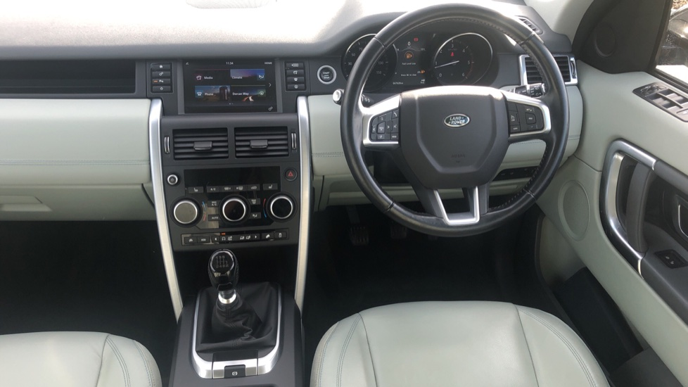 Land Rover Discovery Sport 2.0 TD4 SE Tech 5dr [5 Seat] image 17