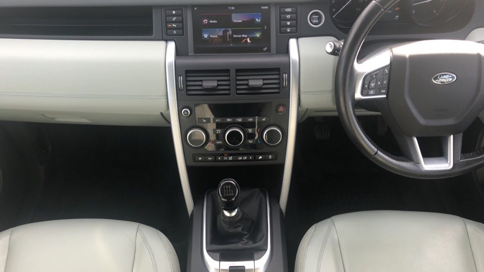 Land Rover Discovery Sport 2.0 TD4 SE Tech 5dr [5 Seat] image 18