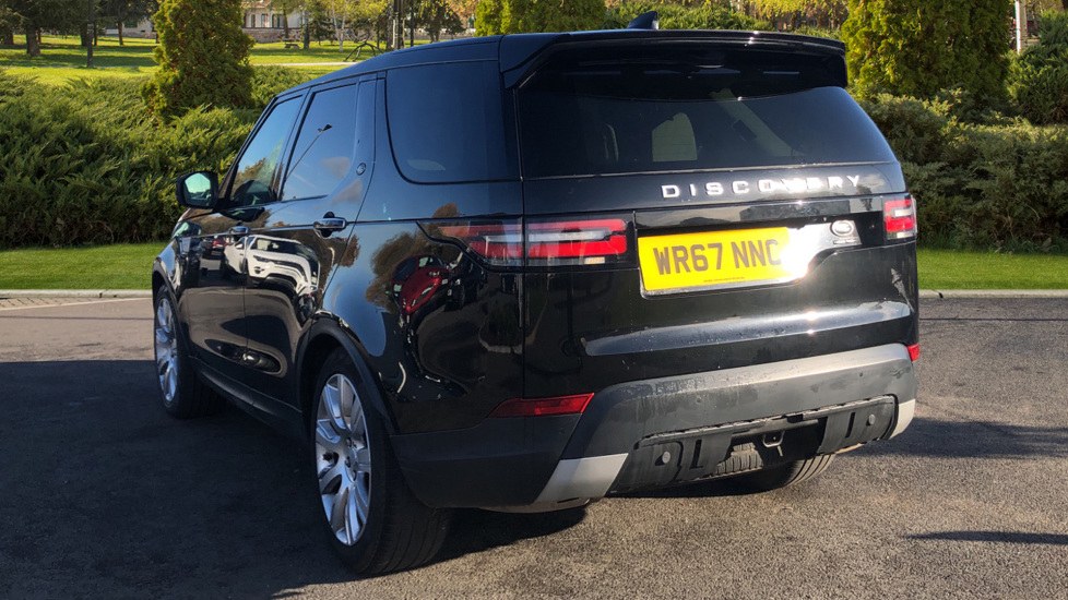 Land Rover Discovery 3.0 TD6 HSE Luxury 5dr image 2