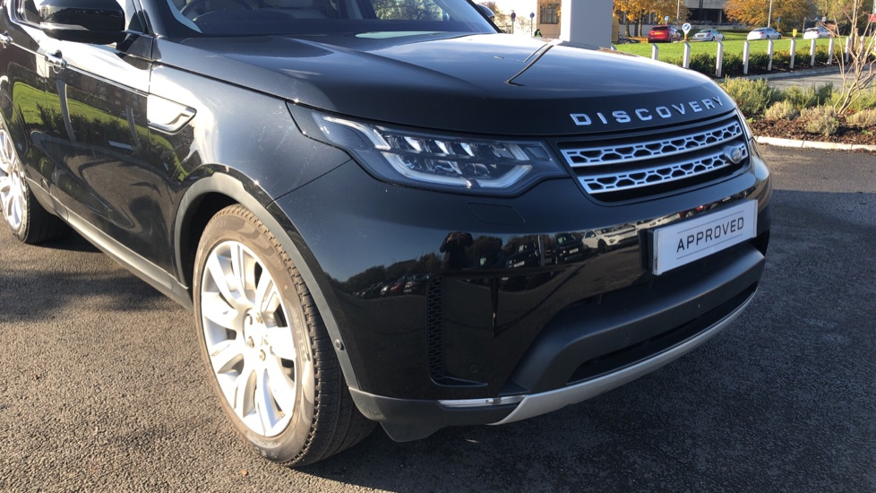 Land Rover Discovery 3.0 TD6 HSE Luxury 5dr image 16