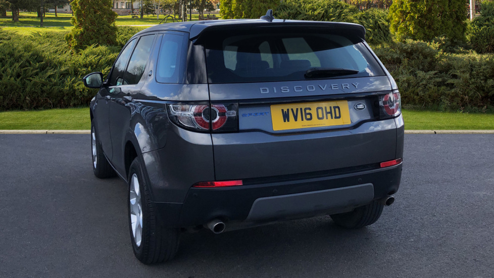 Land Rover Discovery Sport 2.0 TD4 SE Tech 5dr [5 Seat] image 2