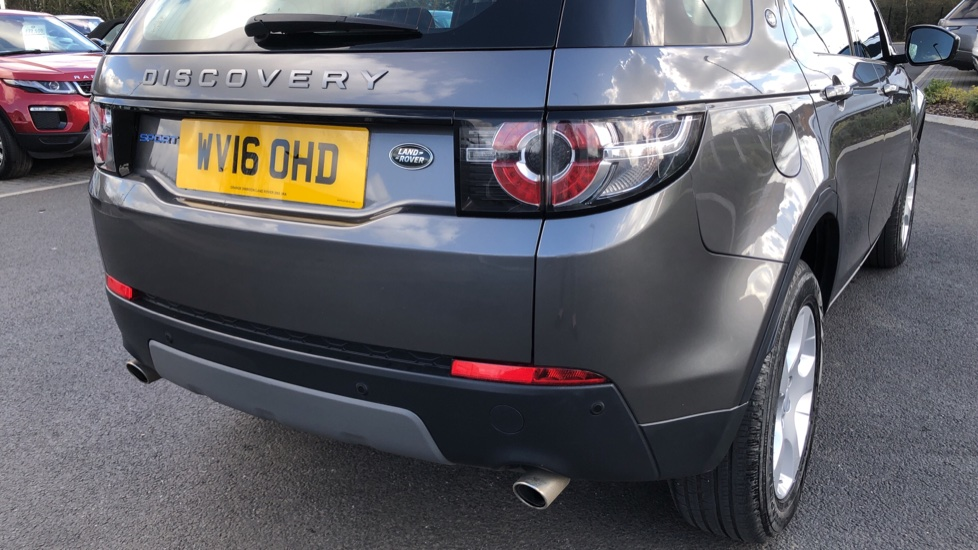 Land Rover Discovery Sport 2.0 TD4 SE Tech 5dr [5 Seat] image 11