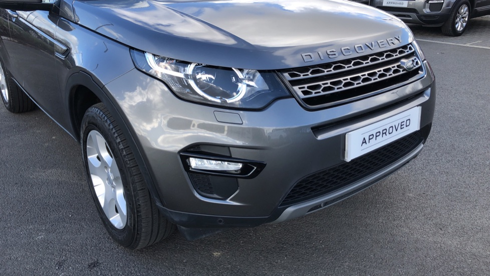 Land Rover Discovery Sport 2.0 TD4 SE Tech 5dr [5 Seat] image 15