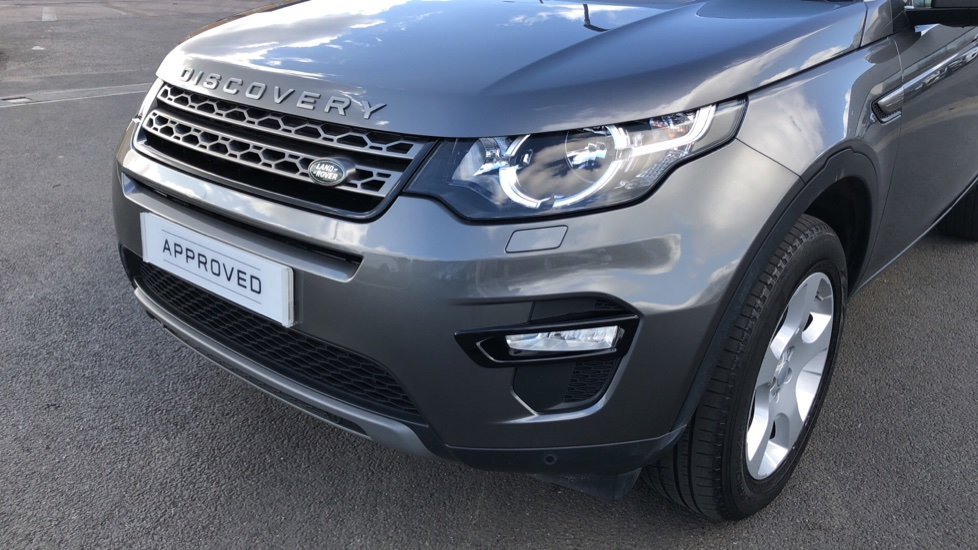 Land Rover Discovery Sport 2.0 TD4 SE Tech 5dr [5 Seat] image 16