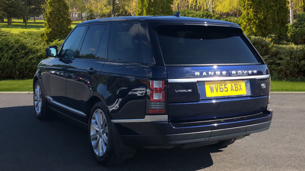Land Rover Range Rover 3 0 TDV6 Vogue 4dr Diesel Automatic 5 door Estate  (2015) available from Land Rover Barnet